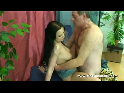 Brunette Czech European video: Daddy Wanna Fuck
