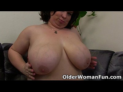Mature Mom Mother video: BBW mom having solo sex with a dildo