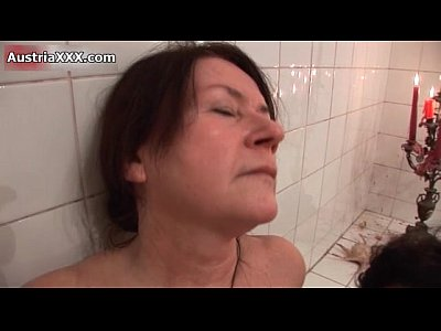 German Amateur movie: Nasty old lesbians make out in the bath