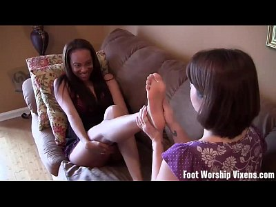 Footfetish Footworship Footworshipping video: Back room footjob from stripper Sadie