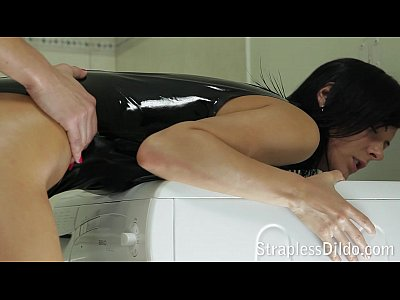 latex strapon sexogratis