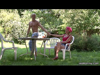 Cunt Dildo Dyke video: Mom toying his girl outdoors