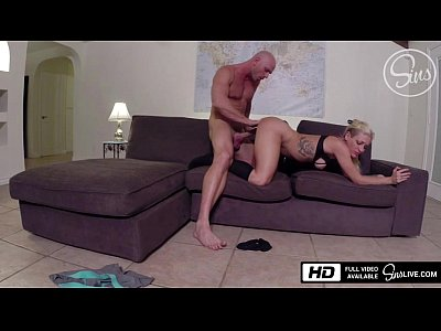 Voyeur Blowjob xxx: Spy Cam - Johnny Sins Destroys Kissa Sins