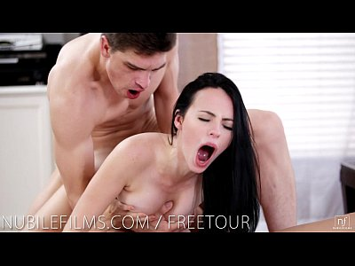 Brunette Cuminmouth Dillionharper video: Her boyfriends cock in another girls pussy