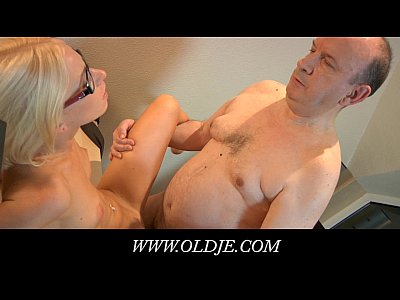 Glasses Bang Teeny video: Young blonde glasse doctoresse fucking old pacient
