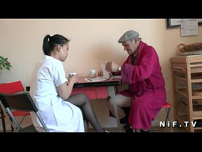 Porno video: French old man Papy Voyeur doing a young asian nurse