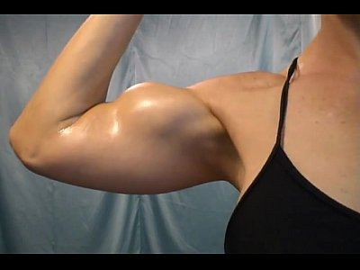 Oil Muscles Biceps video: CR oil and Flex