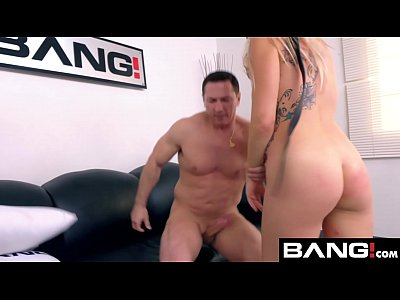 Zoey Monroe gets her anal hole lubed and destroyed