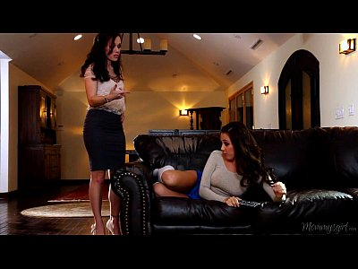 Teen Licking Milf video: Nasty Lesbians Jenna Sativa and Savannah Fyre