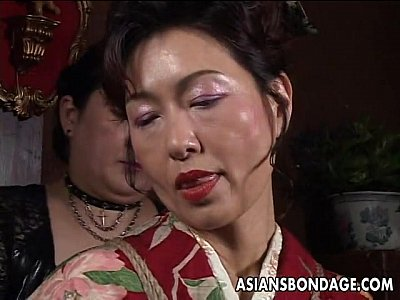 Asian Ass Bdsm video: Asian mature bitch has a rope session to endure