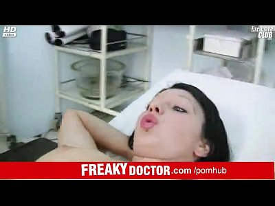 Tiny teen Silvia abused by older gyneco doctor
