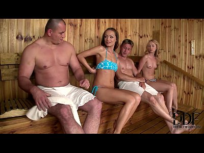 Porno video: Lina Napoli & Sophie Lynx In A Hot Sauna Hardcore Threesome