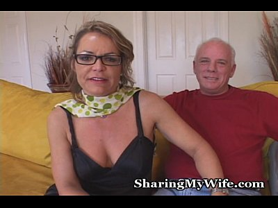 Mature Wife Kelly video: Mature Mommy Gets Young Cock
