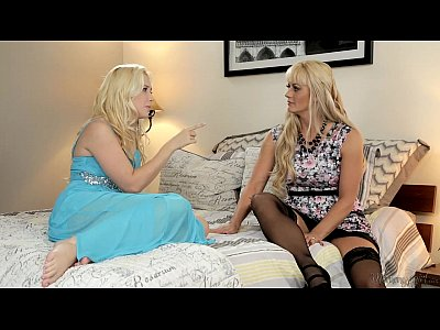 Fingering Blonde Licking video: Busty Blonde Step-Mother Holly Heart and Samantha Rone