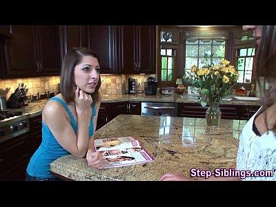 Fingering Oral Teen video: Les stepsister tasted