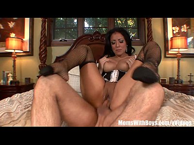 Blowjob Brunette Cougar video: Sexy MILF Kiara Mia Fishnet Stockings Deepthroats And Fucked