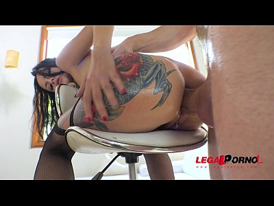 Tattooed Bitch Amanda Black DP with Big Cock in her tight ass