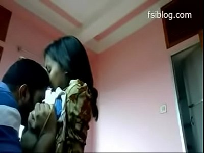 Couple Desi Fuck video: Girlfriend friend sex , room pe chudi girlfriend ki friend