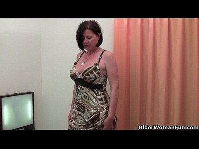 Masturbation Stockings Milf video: Curvy mature mom in stockings toying hairy pussy