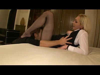 Cumshot Footfetish video: Pantyhose Stewardess
