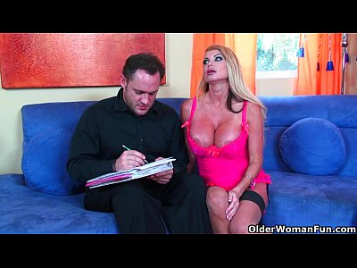 Blowjob Bustymilf Cougar video: Busty milf Taylor Wane gets her tits cum coated