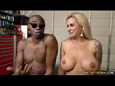 Milf Bigdick Monstercock video: Ryan Conner Interracial DP