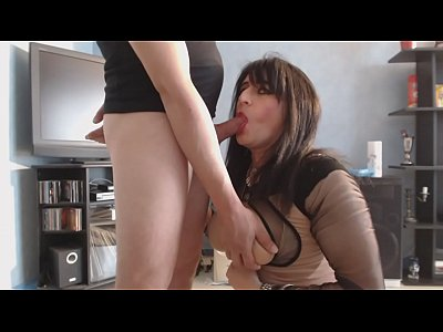 Beurette Blowjob Boobs video: salope arabe qui suce une bite