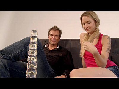 German Masturbation Toys video: Autsch!! Der Dildo Deal mit Angel