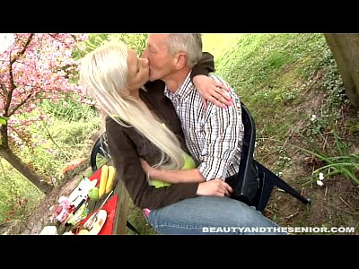 Cock Adorable Hardcore video: Busty blond teen gives head to a senior outdoors