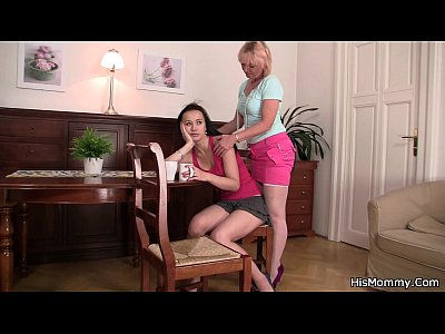 Teen Milf Lesbian video: Old lesbian mom toying her young pussy