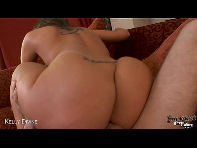 Brunette Kelly Divine gets anally fucked