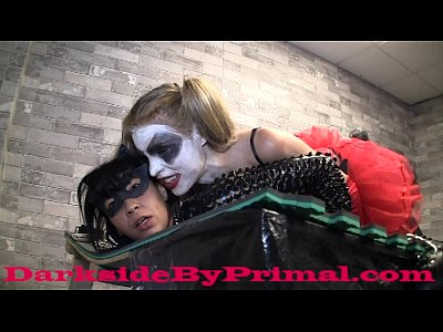 Lesbian Strapon Pussylicking video: Katwoman Broken by Harlee Quinn PREVIEW