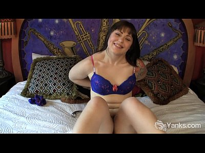 Attractive Beautiful Breasts video: Sweet Sarah Toying Her Pussy