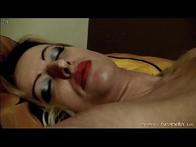Fingering Masturbate video: Arabella feels herself