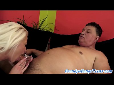 Babe Beauty Bigtits video: Stunning babe bangs grandpa