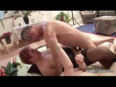 Deutsch Gangbang German video: German old Grandpa and Grandpa in privat Amateur Threesome