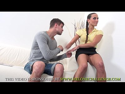 Domina Humilation Melone video: Mea Melone humble guy