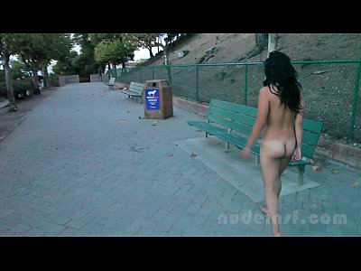 19yo Asian Closeup video: Nude in San Francisco: Iris naked in public