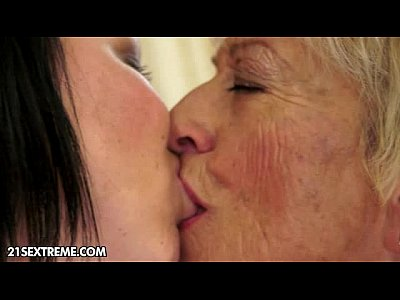 Licking Lesbian Granny video: Wet proof