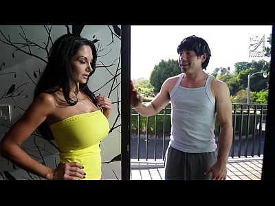 Interracial Milf Dancer video: Mexican dance teacher fucks Ava Addams!!!