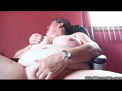 Grannies Solo Milf video: American grannies Lisa and Karen need to get off