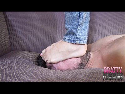 Trampling Barefoot Footfetish video: Jolene Hexx Painful Migraine Trampling JASON NINJA FACESTAND