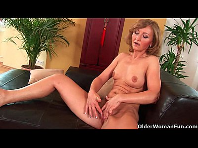 Milf Mature movie: Older mom Brandy has small breasts and a hot body