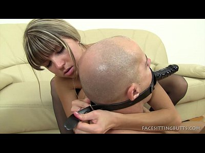 Domination Facesitting Female vid: Facesitting On A Male With A Head Strapon Dildo