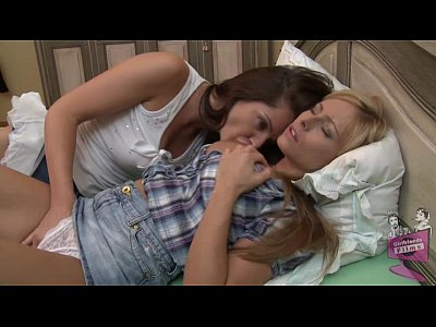 Bigboobs Bigtits Blonde video: Sandra Shine and Vera licking each other