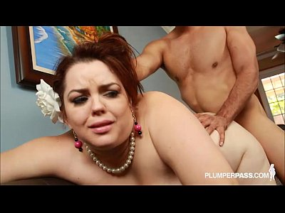 video: Busty Plump Real Estate Agent Buxom Bella