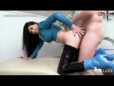 Blowjob Deutsch Fetish video: My Dirty Hobby - Meli-Deluxe Latex und Highheels