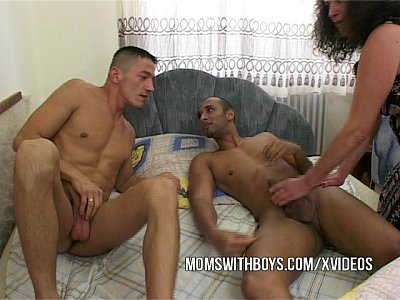 Cougar Cumshot Dp video: Hot Old Bitch Fucks Stepson And Friend