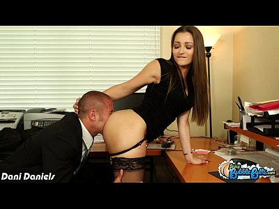 Hardcore Tits porno: Hottie Dani Daniels gets bubble ass licked