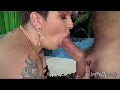 Sexy mature plumper Selenda White is fucked